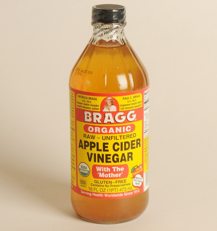 these apple cider vinegar hair and skin recipes are your new natural beauty must haves for. Black Bedroom Furniture Sets. Home Design Ideas