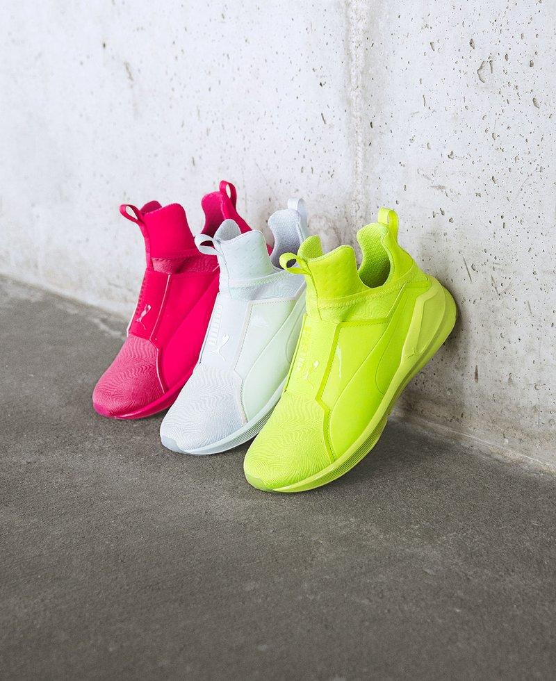 hot pink puma sneakers