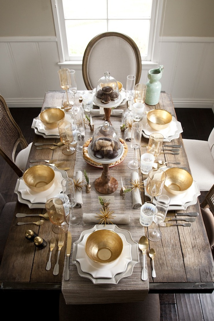 how to set a holiday table like a pro and never again wonder which