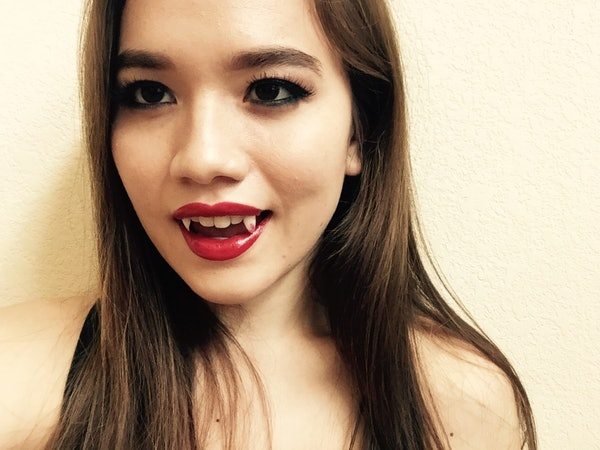 Secure Denture Adhesive >> How To Make Vampire Fangs Out Of Press-On Nails — PHOTOS   Bustle