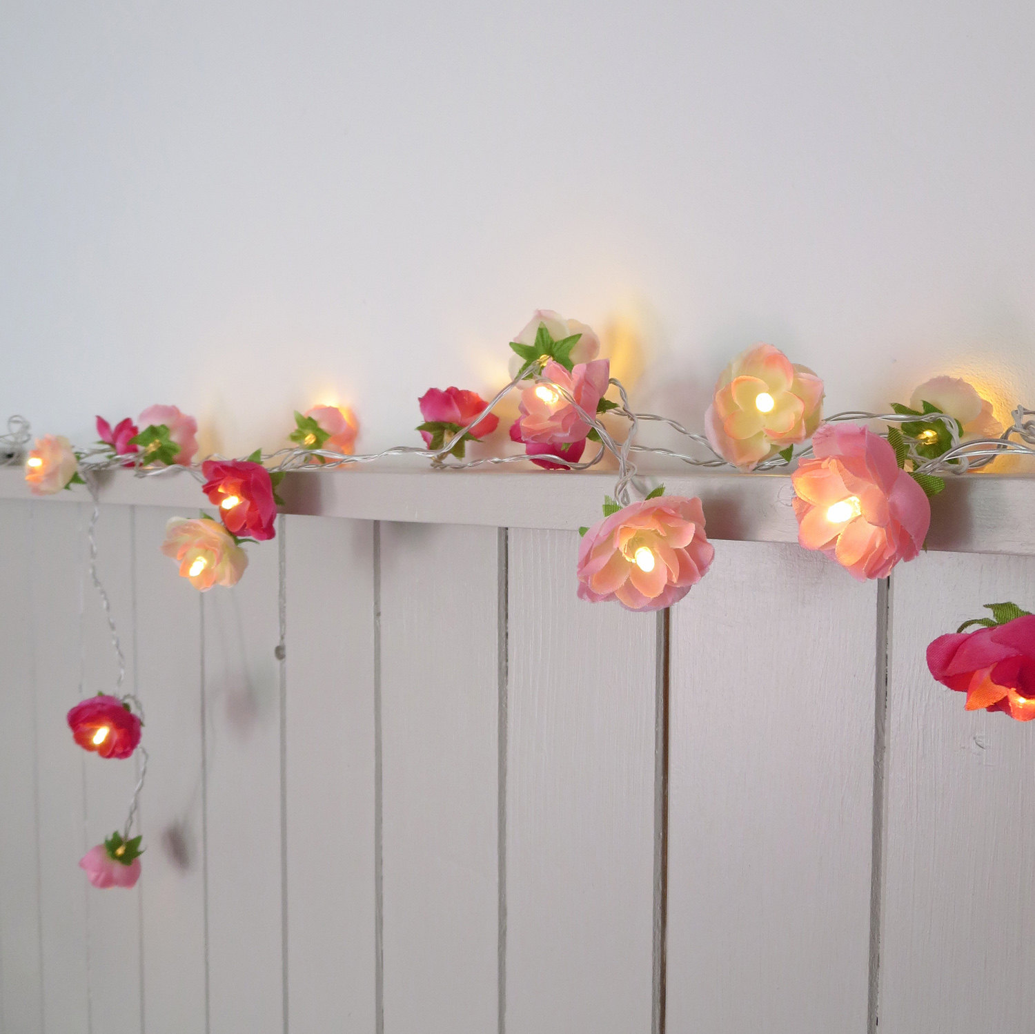 12 String Lights To Brighten Up Your Grownup Space, Now That You've Finally  Traded In That Dorm Room Decor