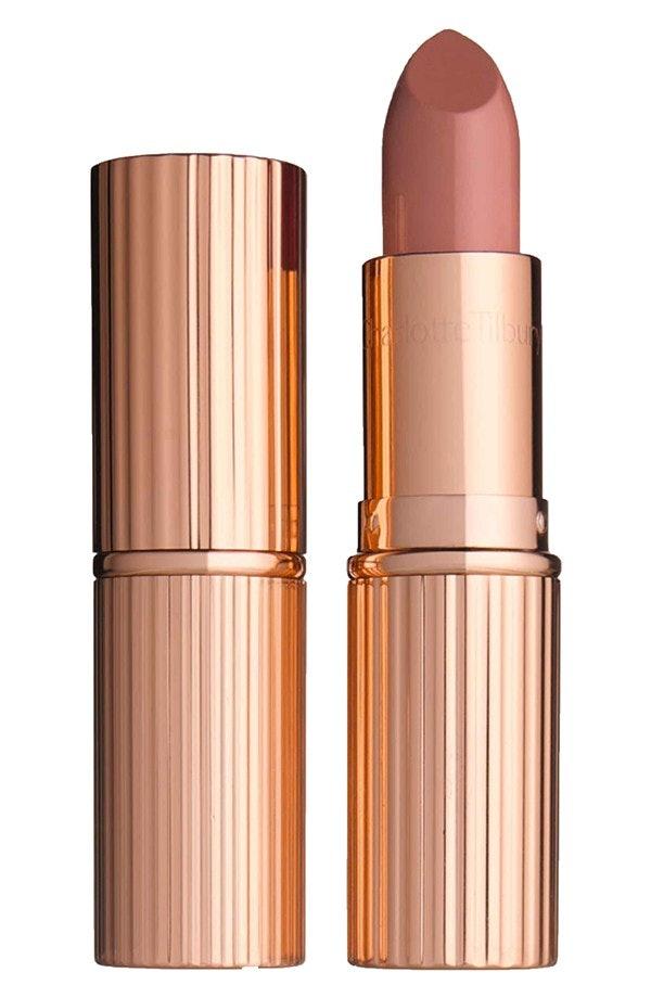Khloe Kardashian Wears Kylie Jenner's Lip Kit Because She