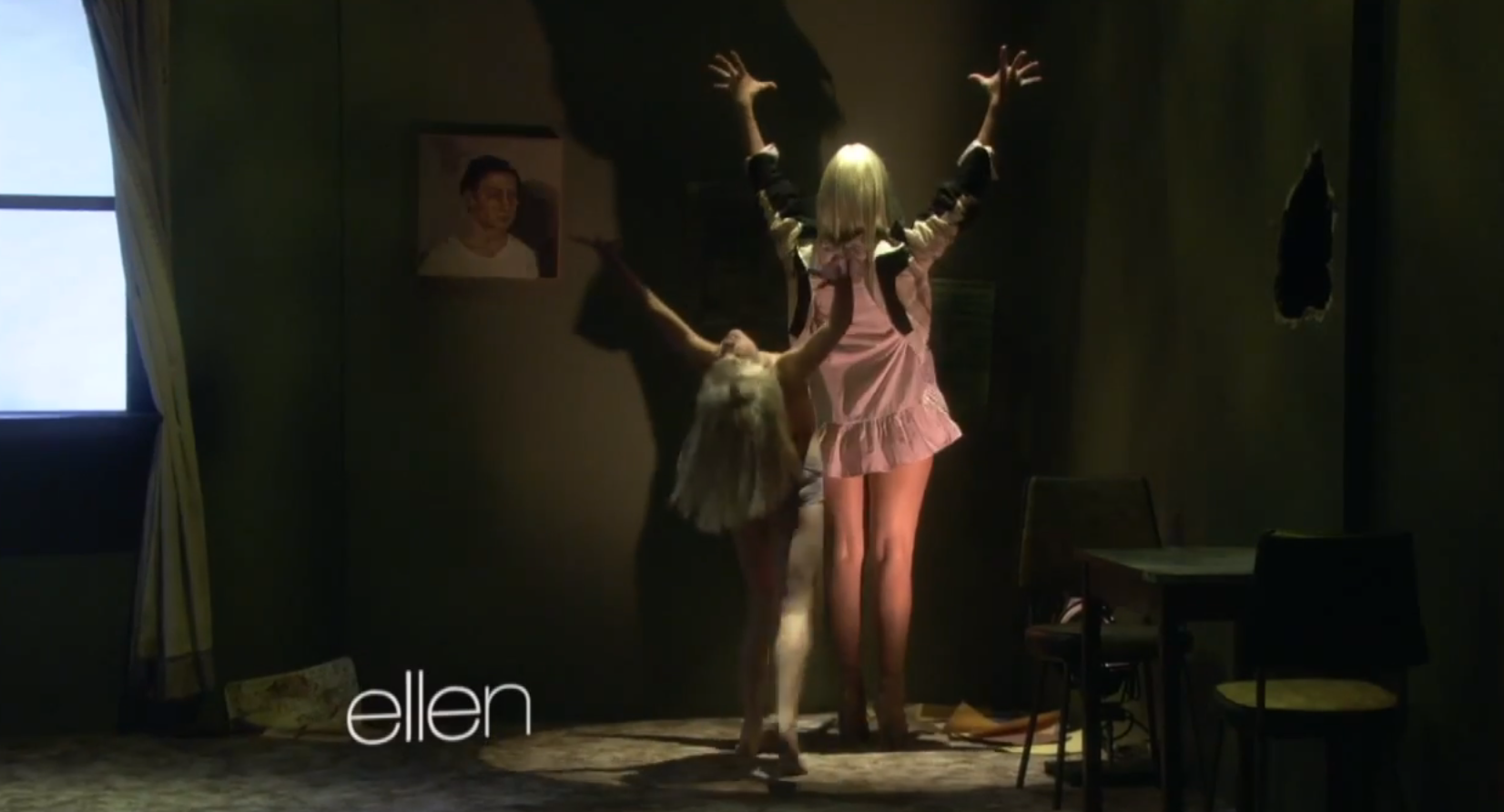 10 moments in sia maddie zieglers chandelier performance on 10 moments in sia maddie zieglers chandelier performance on ellen that will give you chills video arubaitofo Choice Image