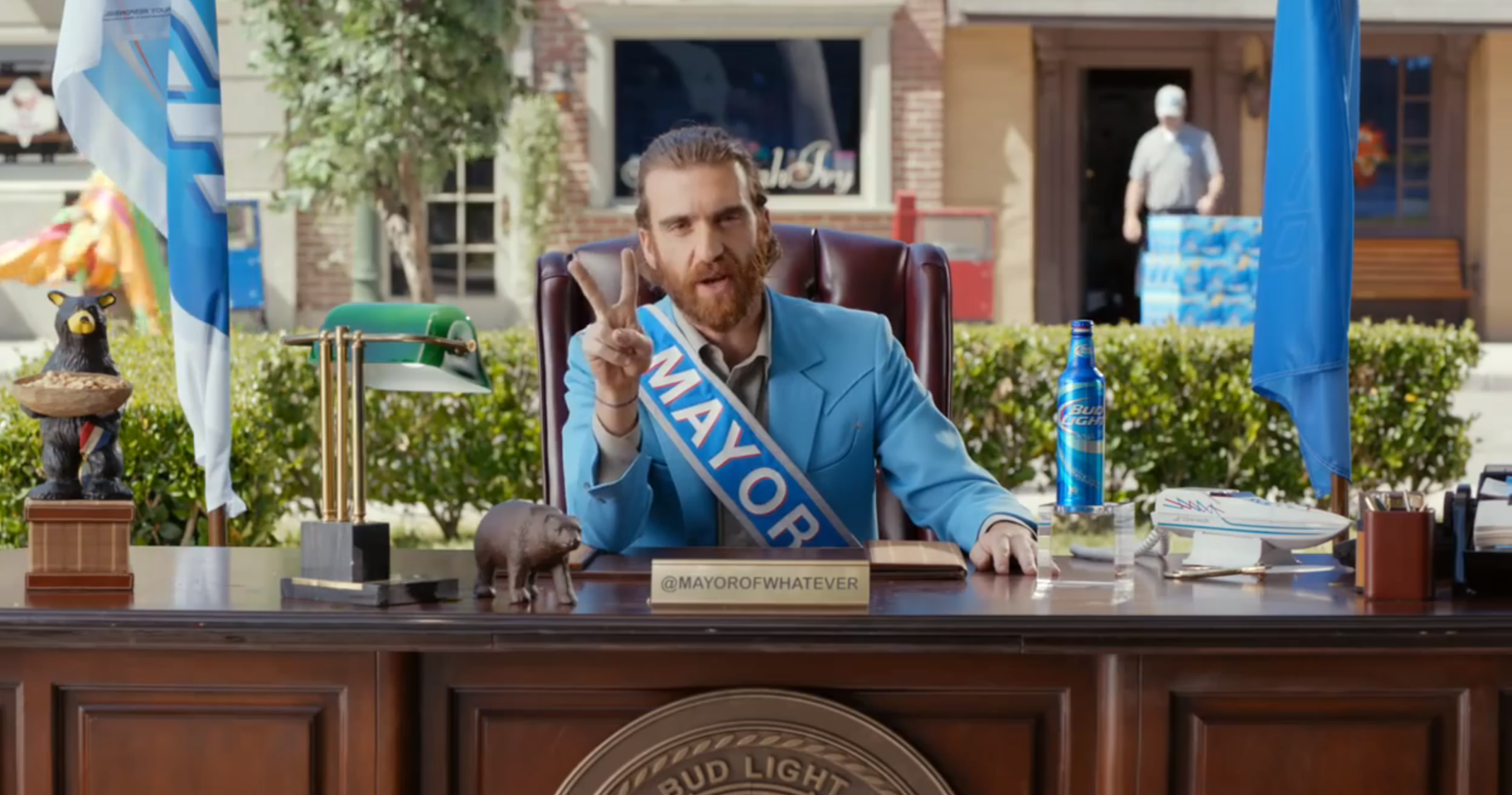 Who plays the mayor of whatever usa in those bud light ads who plays the mayor of whatever usa in those bud light ads wolverine sort of mozeypictures Images