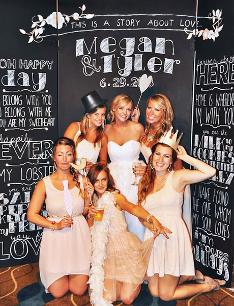 12 diy wedding photo booth ideas that will save you money and look 12 diy wedding photo booth ideas that will save you money and look amazing solutioingenieria Image collections