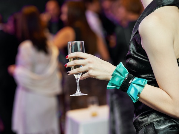 Normal Wedding Gift Amount: 5 Ways To Be The Ideal Wedding Guest From Gifts To Thank