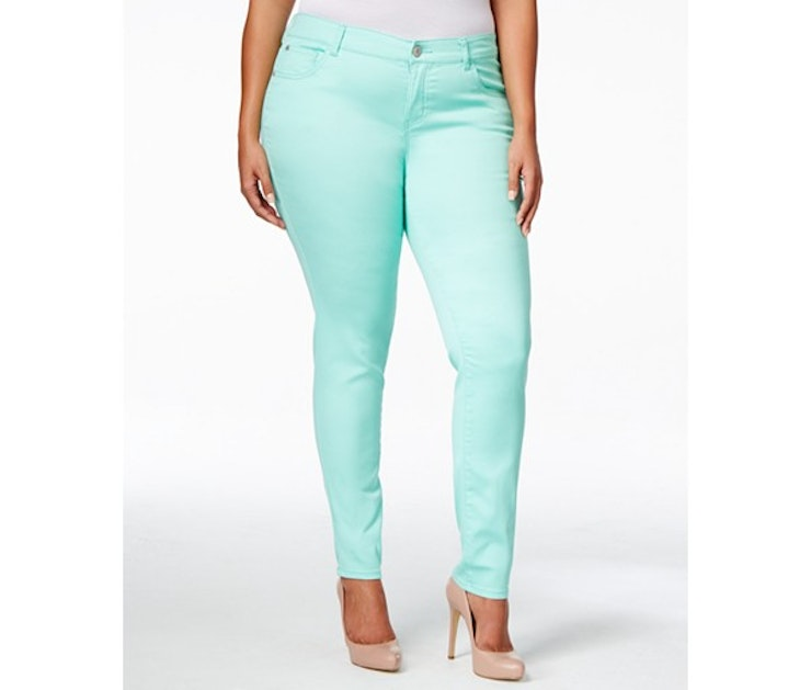 The 17 Best Plus Size Jeans For Spring