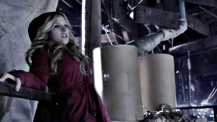 6 Unanswered 'Pretty Little Liars' Questions About Red Coat That