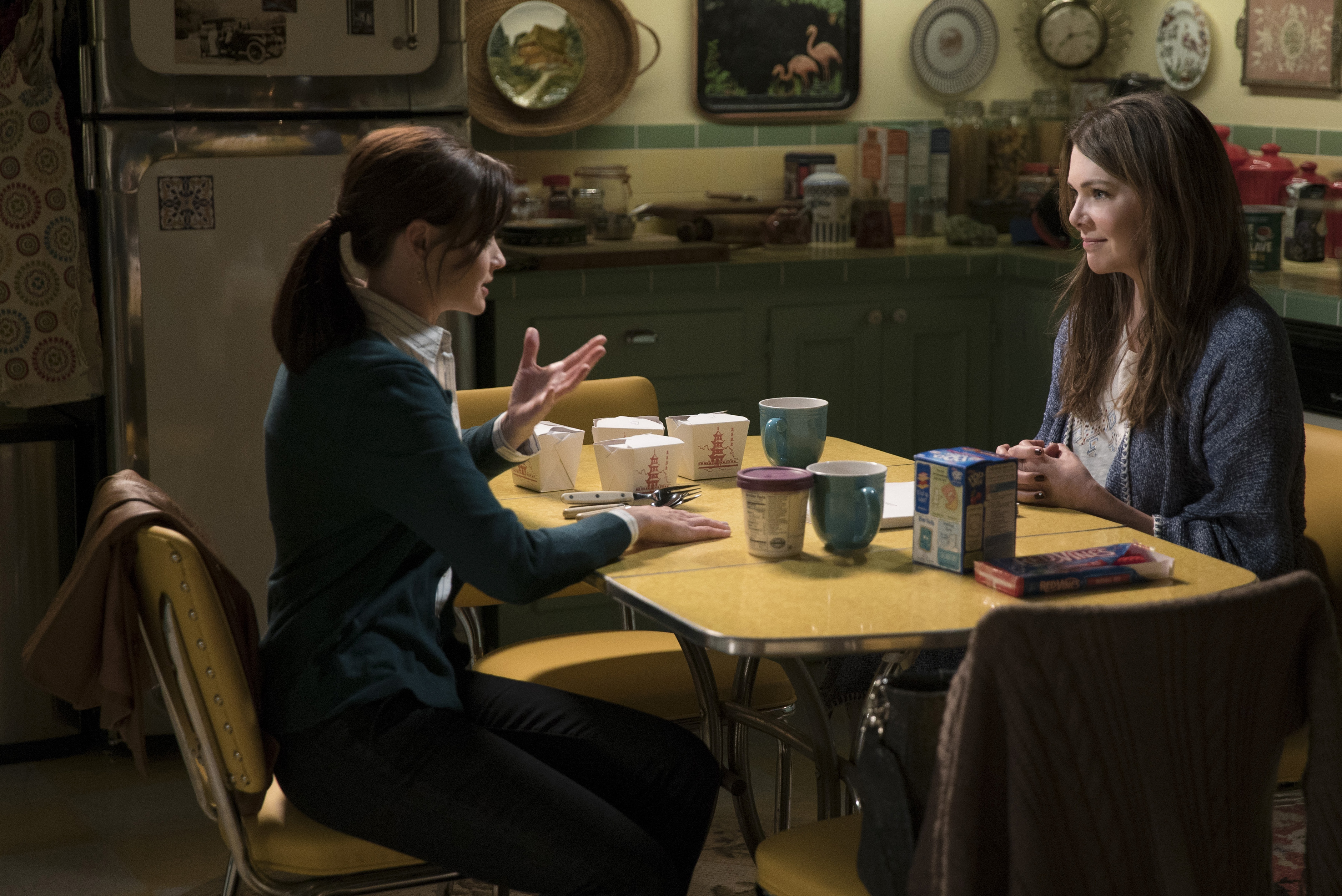 everything the 'gilmore girls' revival trailer reveals about the