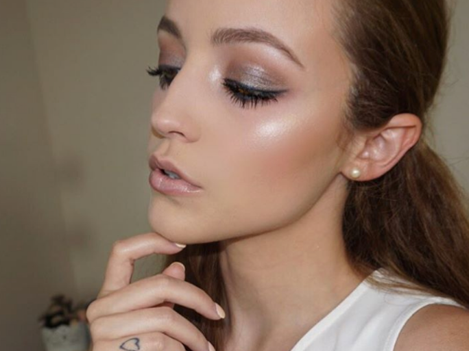Kathleenlights Makeup Vanity : What s In The KathleenLightsxMakeup Geek Collab? Get Ready To Shine Bright Bustle