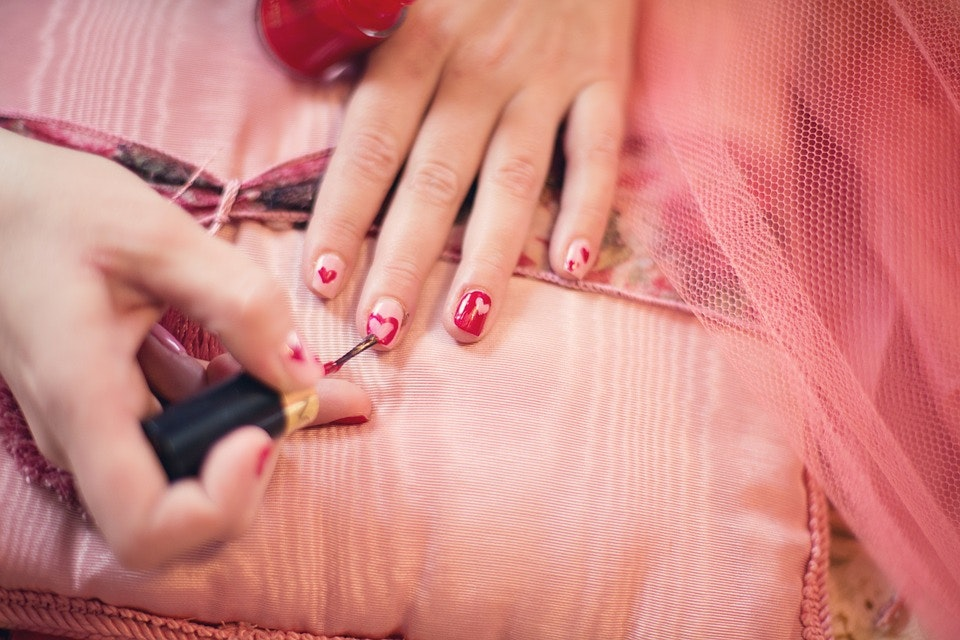 How to make nail polish last longer without chipping