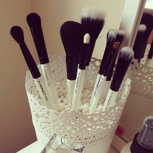 14 Diy Makeup Organizer Ideas That Are So Much Prettier