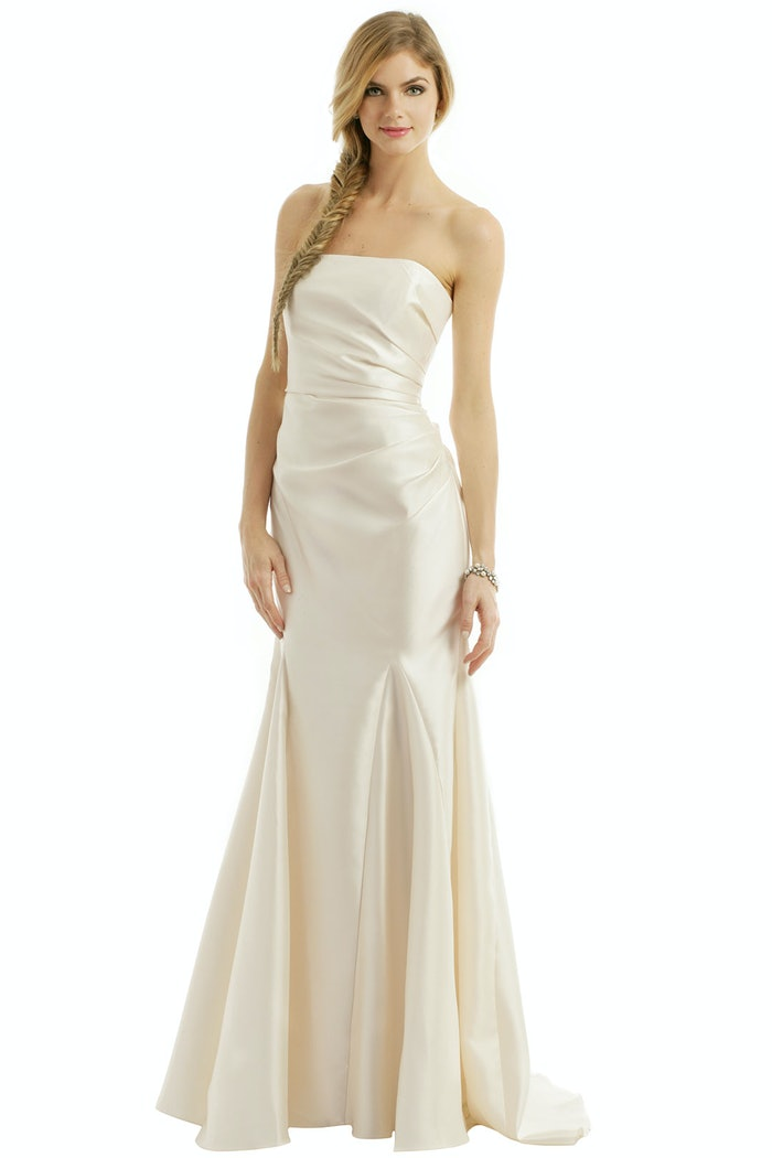 Rent the runway now rents wedding dresses bustle for Cost to rent wedding dress in jamaica